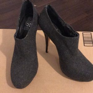 """Grey wool Vince Camuto zip back booties 5"""" heel"""